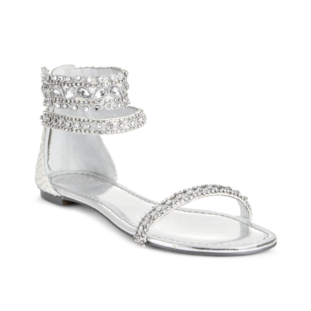Vince Camuto Lisette Flat Sandals In White Off White Lyst