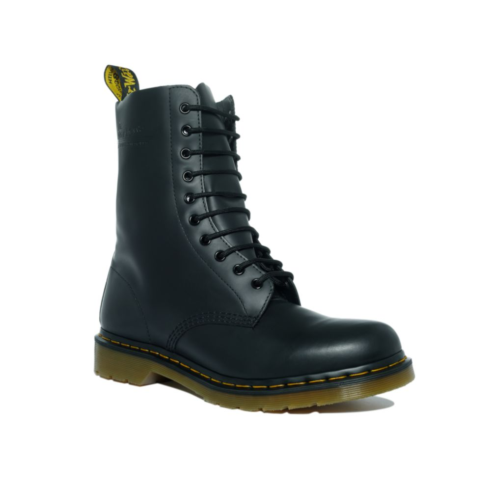 dr martens boots in black for lyst