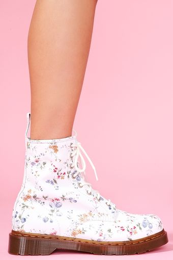 Nasty Gal Print 8 Eye Boot Wild Rose - Lyst