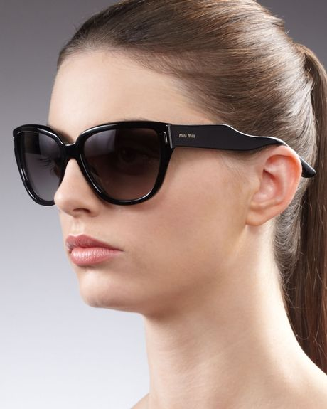 Miu Miu Matte Curvetemple Sunglasses in Black - Lyst