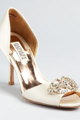 Badgley Mischka Pumps Salsa Dorsay - Lyst