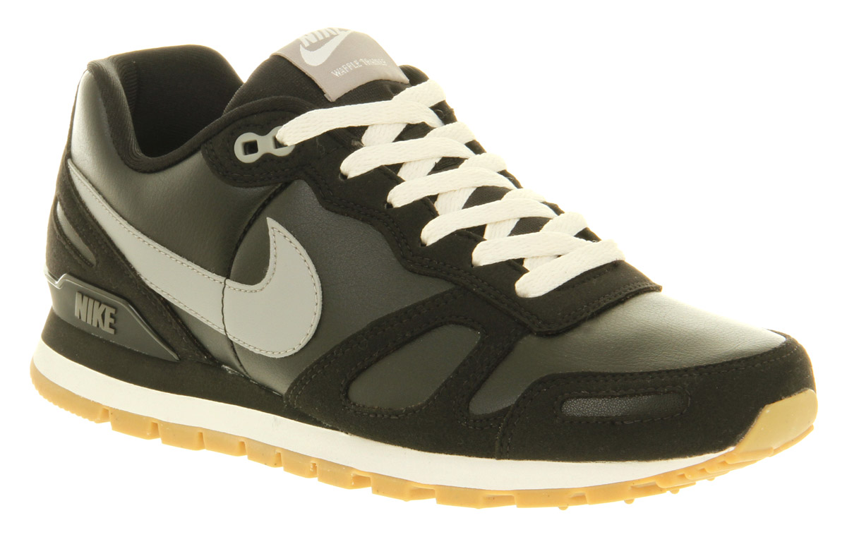 superior quality d5cd1 2e498 Nike Air Waffle Trainer Black Leather in Black for Men - Lyst