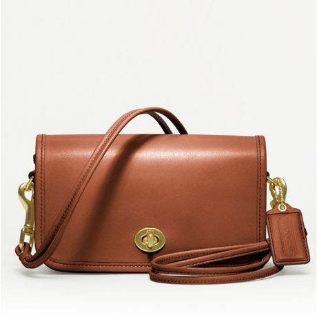 Coach Classic Leather Shoulder Purse in Brown (british tan) - Lyst