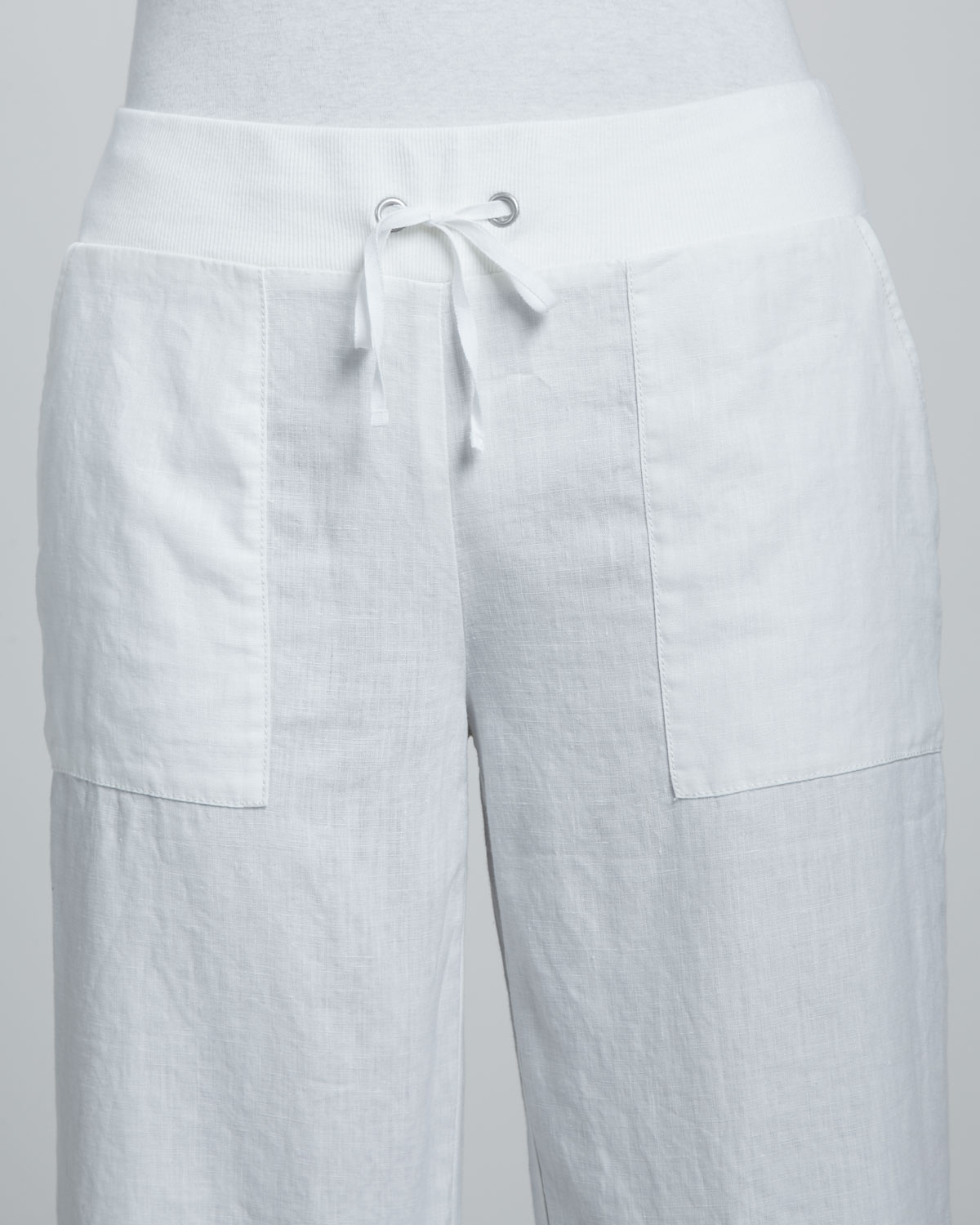 Eileen fisher Linen Drawstring Capri Pants in White | Lyst