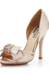 Badgley Mischka Babett Satin Pump Nude - Lyst