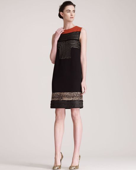 Giambattista Valli Insetstripe Dress in Black (blk gold pumpkin)