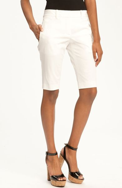 What does bermuda shorts mean? - definitions.net