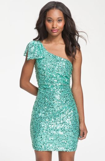 Way-in Bow Accent Oneshoulder Sequin Dress - Lyst
