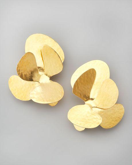herve van der straeten coral cluster earrings in gold lyst. Black Bedroom Furniture Sets. Home Design Ideas