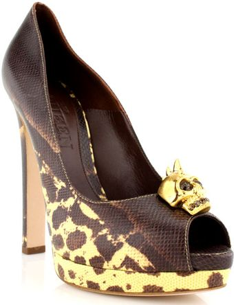 Alexander McQueen Chunky Heel Karung Pump with Shark Skull Org Now - Lyst