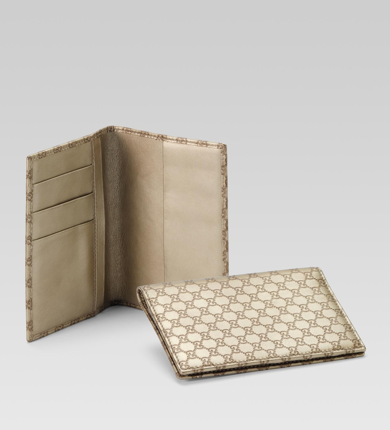 d41daedec458 Gucci Passport Case in Metallic for Men - Lyst
