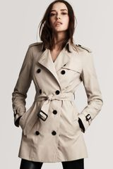 Burberry London Double Breasted Short Trench Coat - Lyst