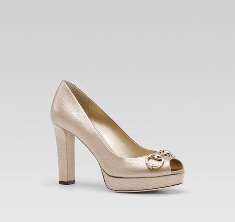 Gucci Sunset Horsebit Horsebit Mid Heel Opentoe Pump in Gold (champagne)