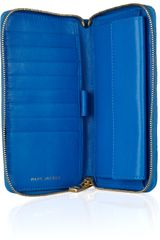 Marc Jacobs Hudson Quilted Leather Wallet in Blue - Lyst