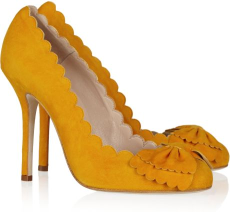 Oscar De La Renta Scalloped Suede Pumps in Yellow (mustard) - Lyst