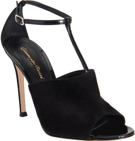 Gianvito Rossi TStrap Sandals in Black - Lyst