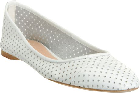 Jil Sander Perforated Ballet Flat in White - Lyst