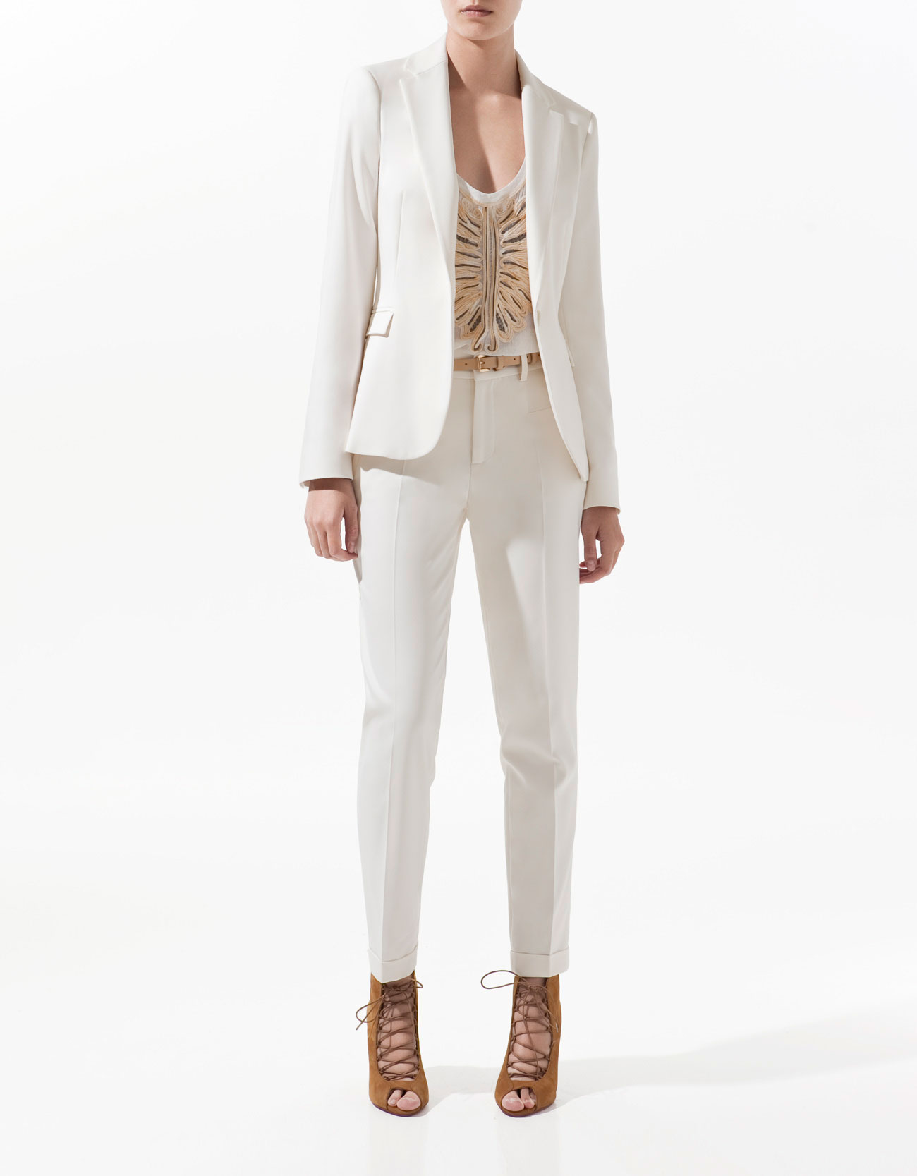 Zara Basic Blazer in White (vanilla)