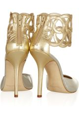 Oscar De La Renta Looped Cuff Metallic Leather Pumps in Gold - Lyst