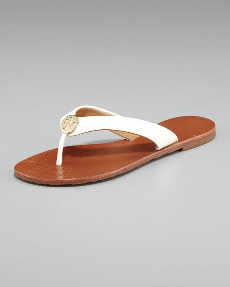 Tory Burch Thora Leather Thong Sandal in White (royal tan gold) - Lyst