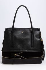Diane Von Furstenberg Harper Laurel Leather Shoulder Bag in Black - Lyst