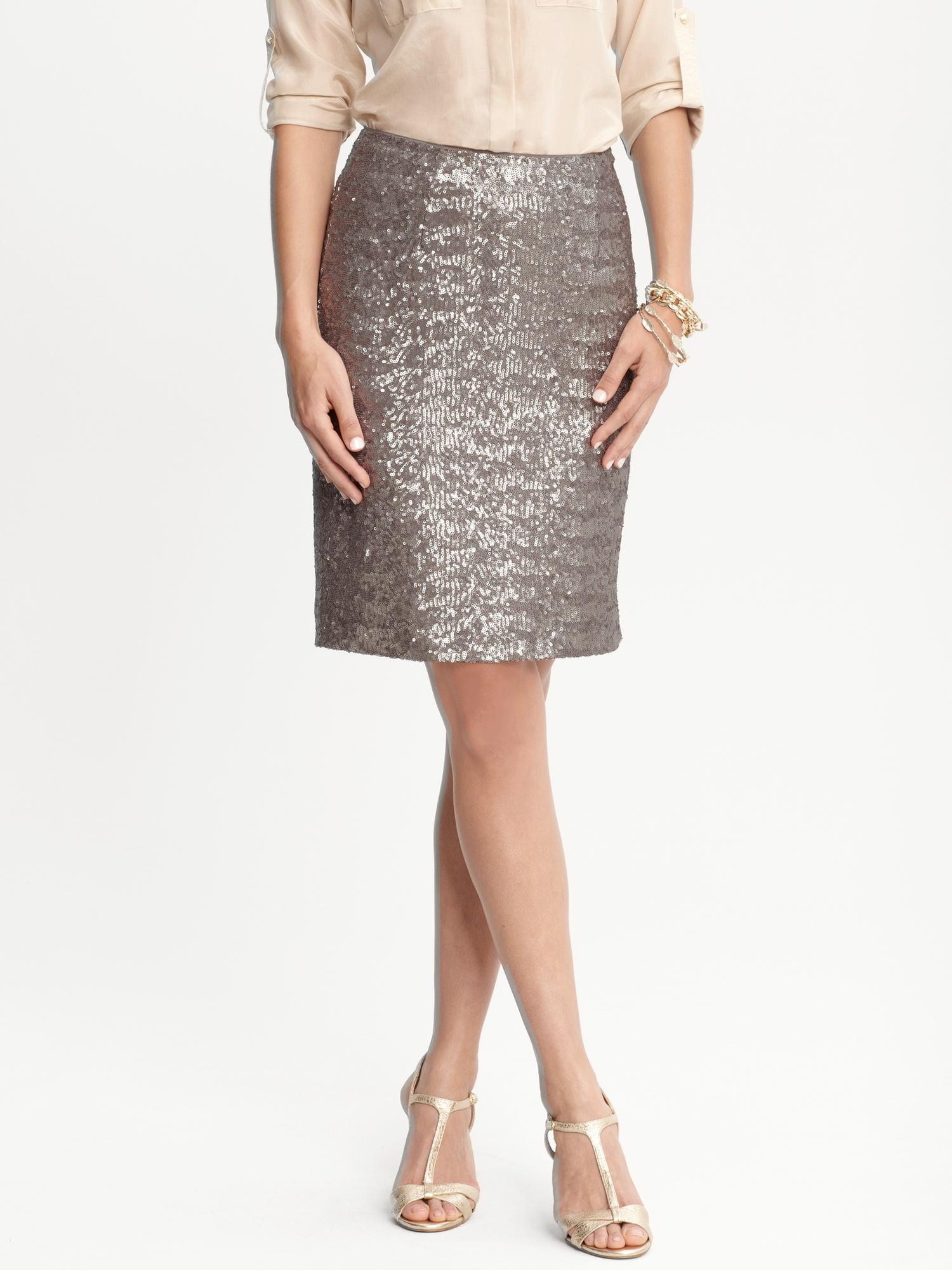b16d4aef59d9a6 Lyst - Banana Republic Heritage Silver Sequin Pencil Skirt in Metallic
