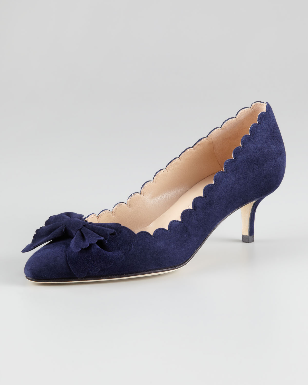 Oscar de la renta Scalloped Bow Toe Kitten Heel Pump in Blue | Lyst