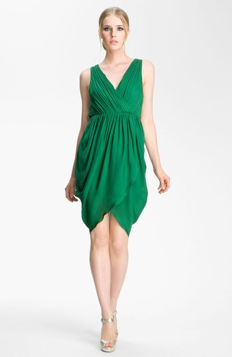 Alice + Olivia Marielle Draped Silk Sleeveless Dress - Lyst