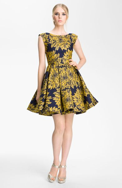 Alice Olivia Reese Pleated Frock In Yellow Navy Gold