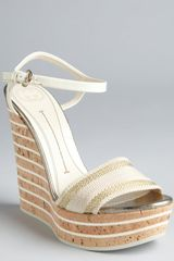 Gucci Ivory and Gold Patent Leather and Cork Wedges in White (ivory) - Lyst