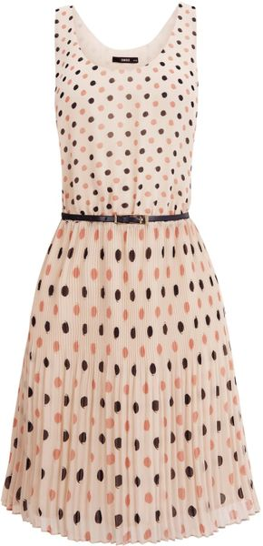 Oasis Spot Pleated Belted Dress in Beige (natural) - Lyst