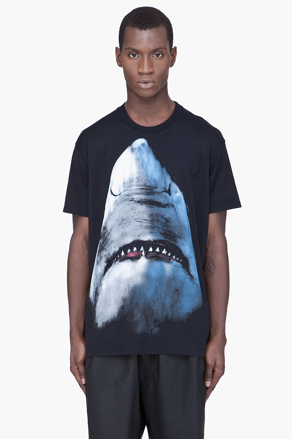 Lyst - Givenchy Shark Print T-Shirt in Black for Men 4eb5f31b36