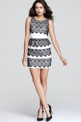 BCBGMAXAZRIA Dress Scalloped Lace - Lyst