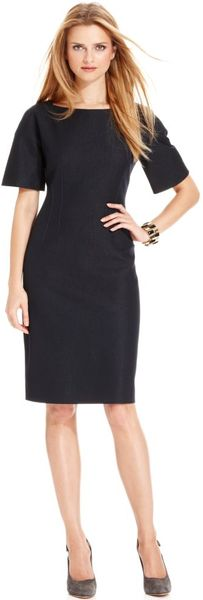 T Tahari Rochelle Short Sleeve Boat Neck Sheath in Black - Lyst