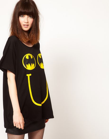 Lazy Oaf X Batman Oversized Tshirt in Happy Bat Print in Black (multi)