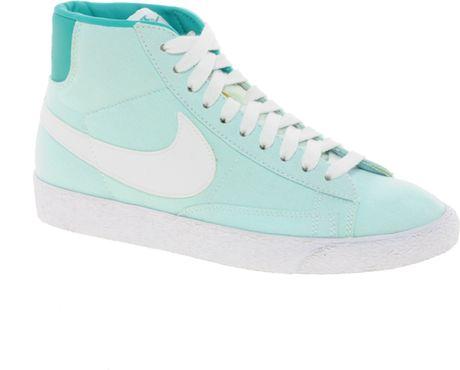 Bộ Sưu Tập Giày Thể Thao Nike cho Nữ