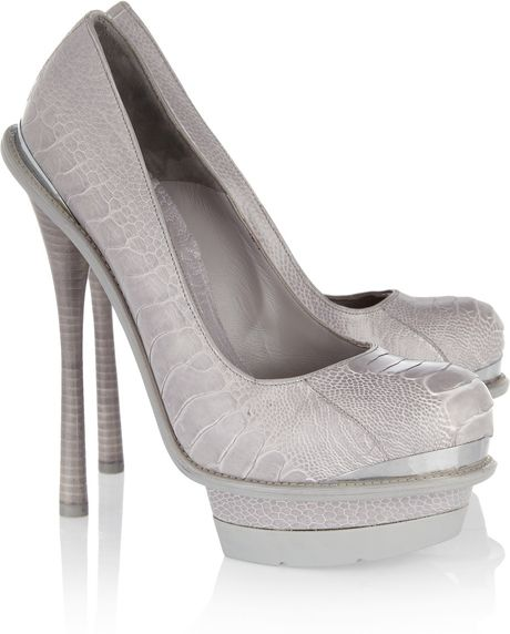 Alexander Mcqueen Ostrich Platform Pumps in Gray (grey) - Lyst