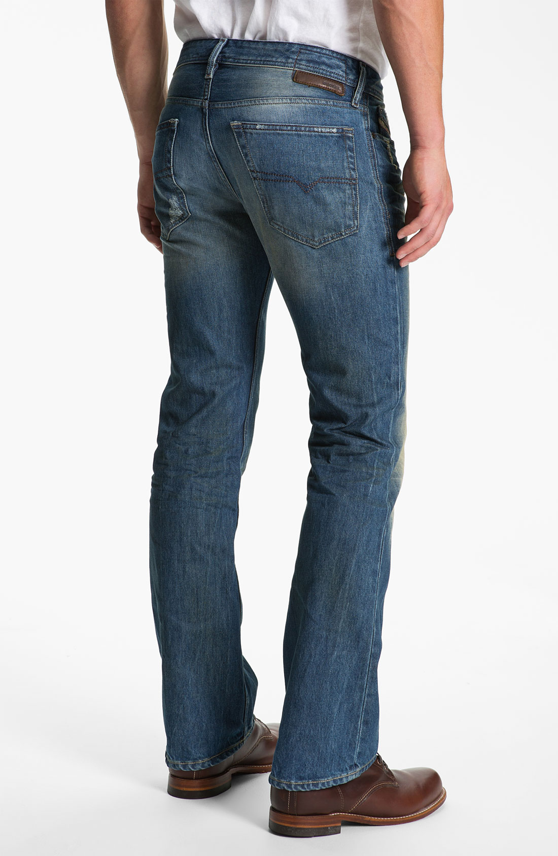 Shop Buckle for men's slim fit jeans that are fitted through the thigh and knee. Find slim fit jeans in variety of washes and leg openings.
