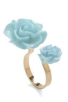 ModCloth Retro Rosie Ring in Light Blue - Lyst