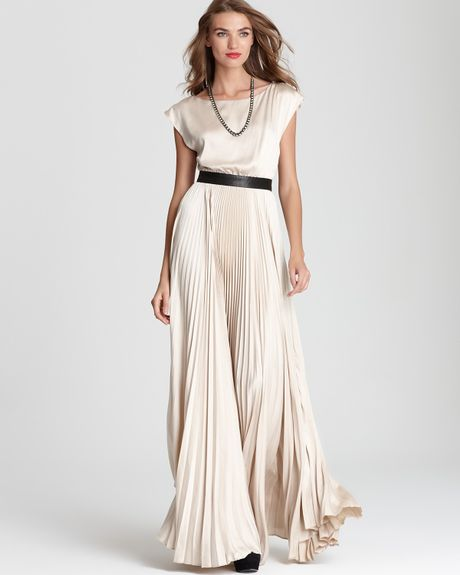 Alice + Olivia Maxi Dress Triss Pleated with Leather Belt in Beige (nude) - Lyst