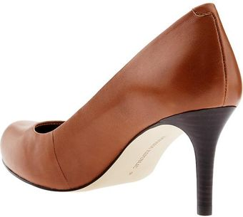 Banana Republic Jenna Round Toe Pump - Lyst