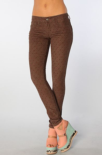 Free People The Ditsy Floral Skinny Corduroy Pant in Charcoal Combo in Floral