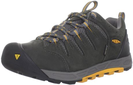 Keen Keen Mens Bryce Wp Hiking Shoe in Black for Men (dark shadow/apricot)