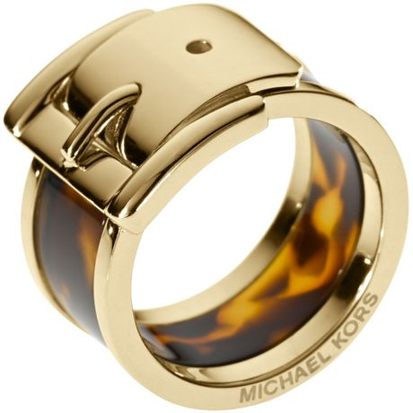 Michael Kors Large Buckle Ring  in Gold (6)