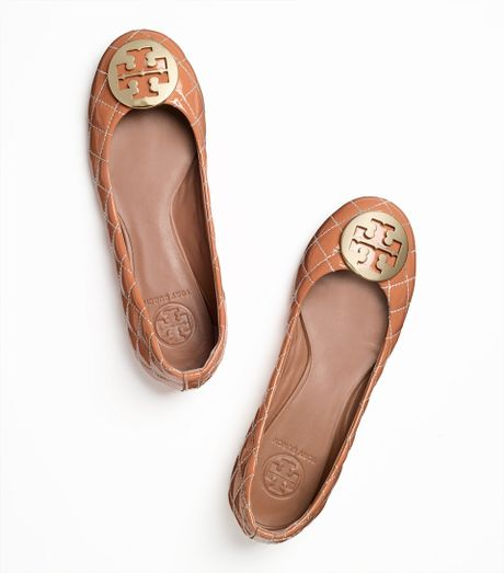 Tory Burch Quinn Quilted Leather Ballet Flat In Beige