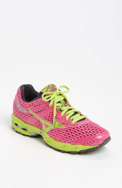mizuno wave precision 13 running shoe in pink electric