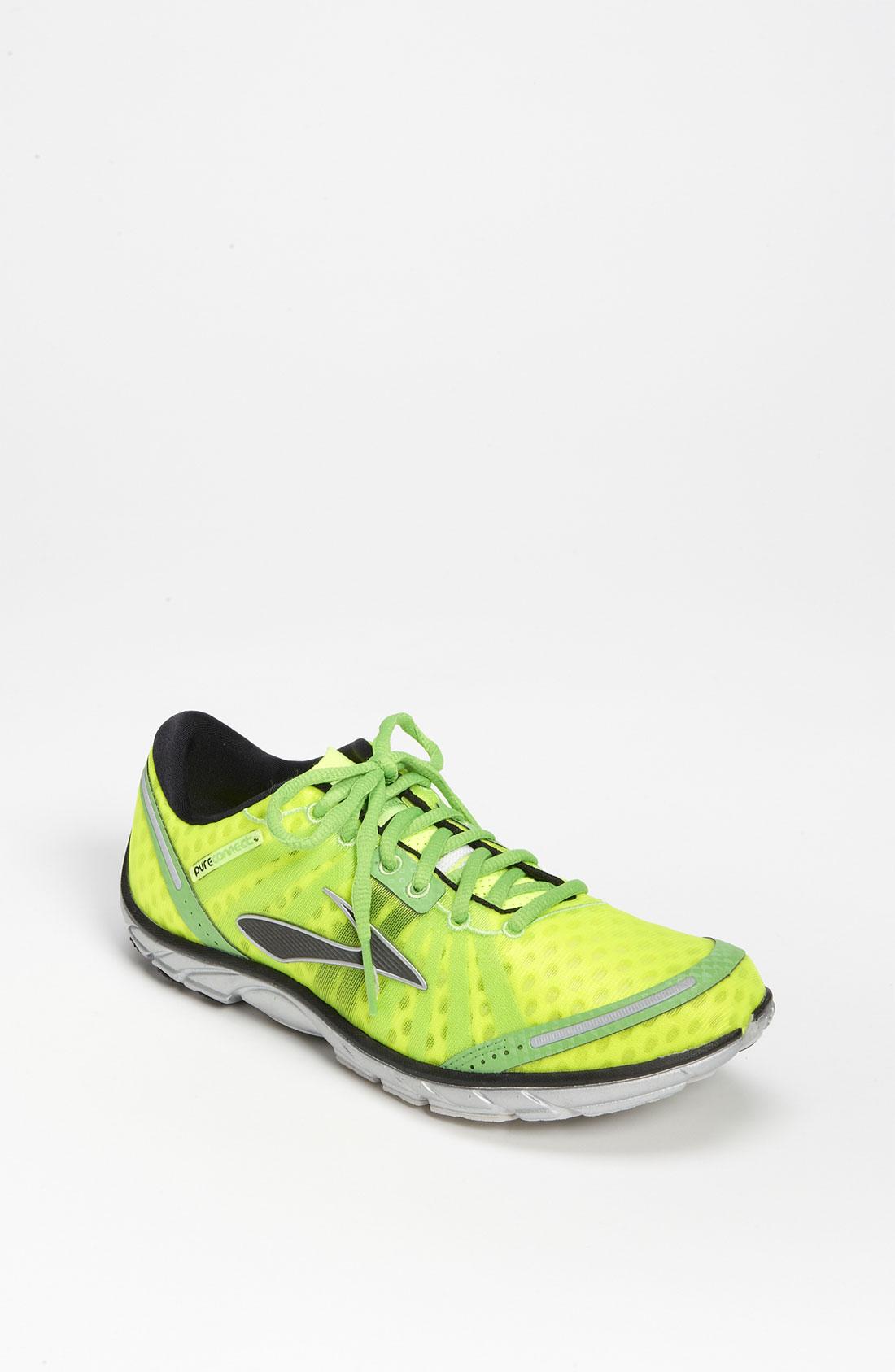 Brooks Split Toe Shoe