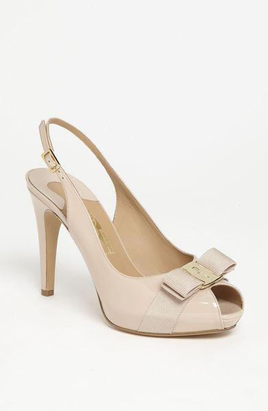 Ferragamo Tea Pump in Beige (new bisque) - Lyst