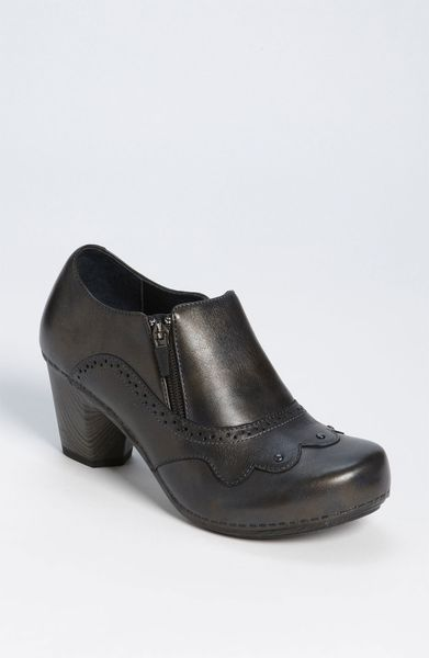 Dansko Nancy Pump in Black (graphite brush off)