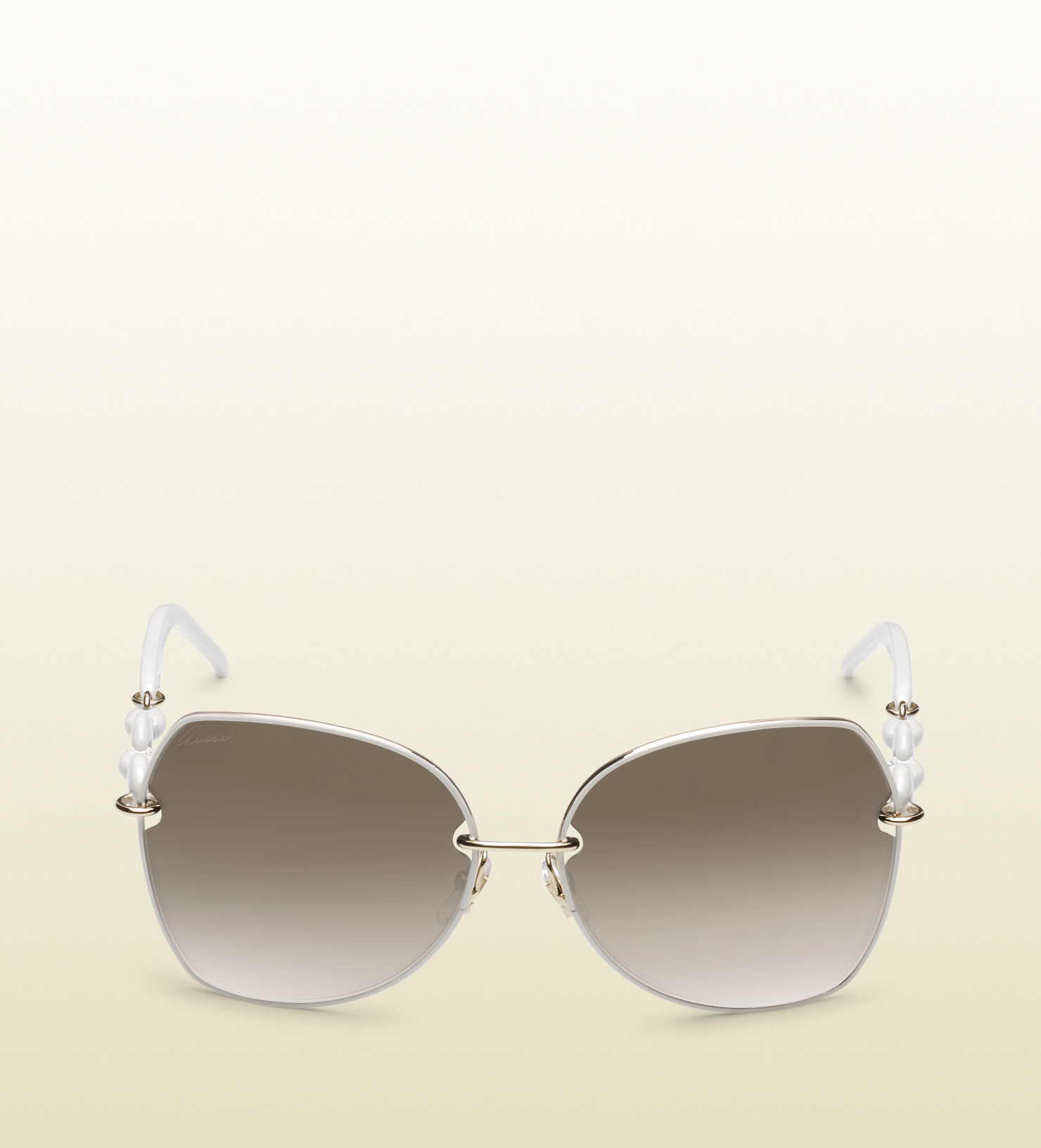 fd7eba5d74b Gucci Medium Oval Frame Sunglasses with Plastic Marina Chain Temples ...